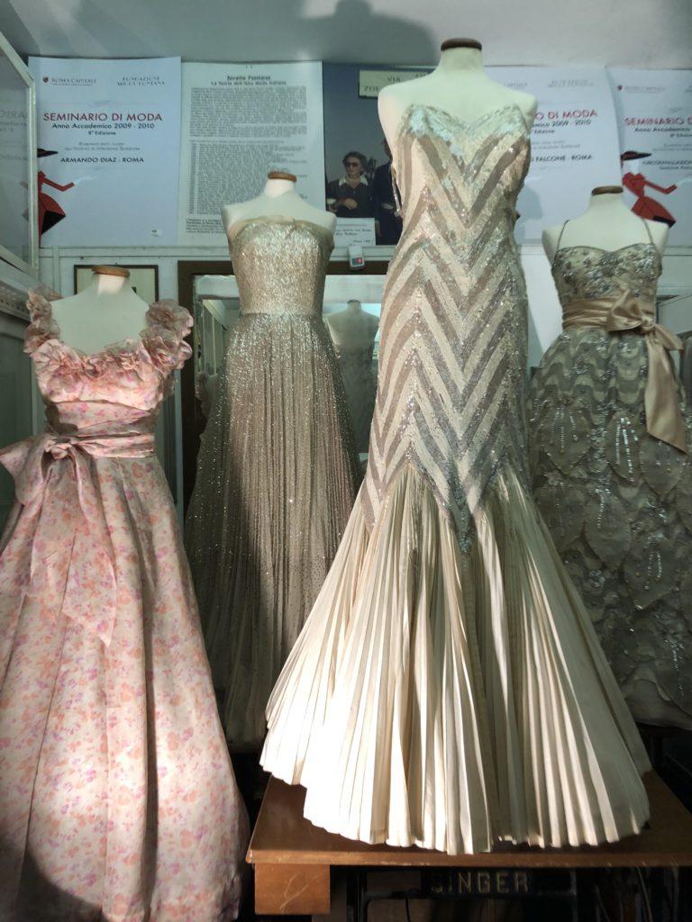 Fondazione Micol Fontana - Abiti in mostra