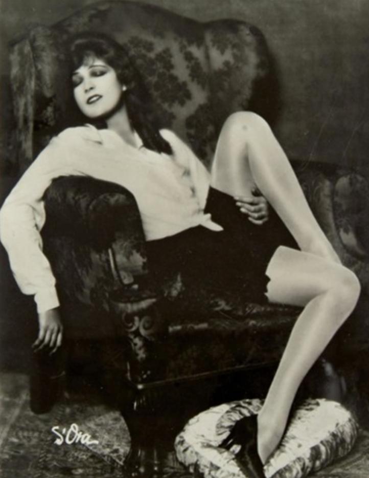 L'attrice Lily Damita, ca. 1930, Madame d'Ora.